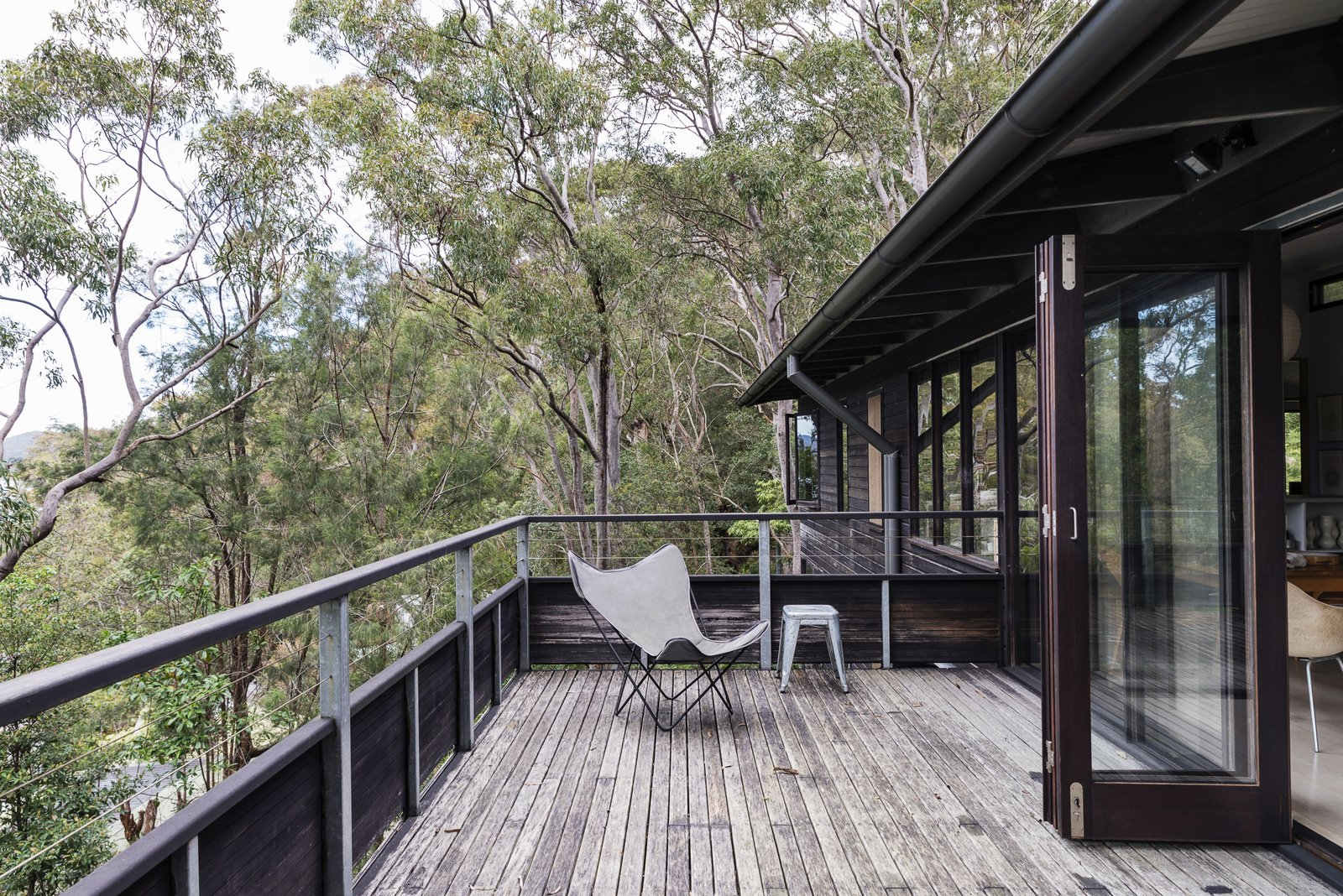 Photo 5 of 13 in Stay in a Riverside Vacation Home That Embraces the Australian Bush