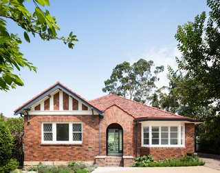 This 1930s Bungalow in Sydney Was Preserved in the Front and Updated in the Back - Photo 1 of 12 -