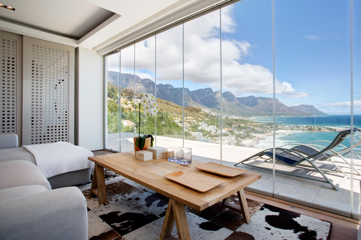 Looking out to unobstructed views of the Atlantic Ocean and Cape Town's rugged coastline, this cliff top resort has multi-room suites, as well as modern and elegantly furnished apartments that open to lovely views of the sea and the suburb of Clifton. 10 Cliffside Destinations That Will Make You Feel on Top of the World - Photo 10 of 10
