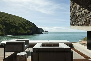 Stay at a Stone-and-Glass Retreat in a Remote New Zealand Bay - Photo 10 of 10 -