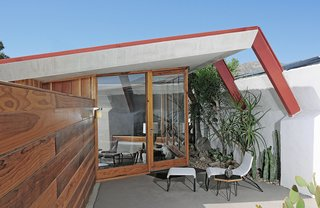 Escape to a John Lautner Micro-Resort in the Californian Desert - Photo 2 of 12 -