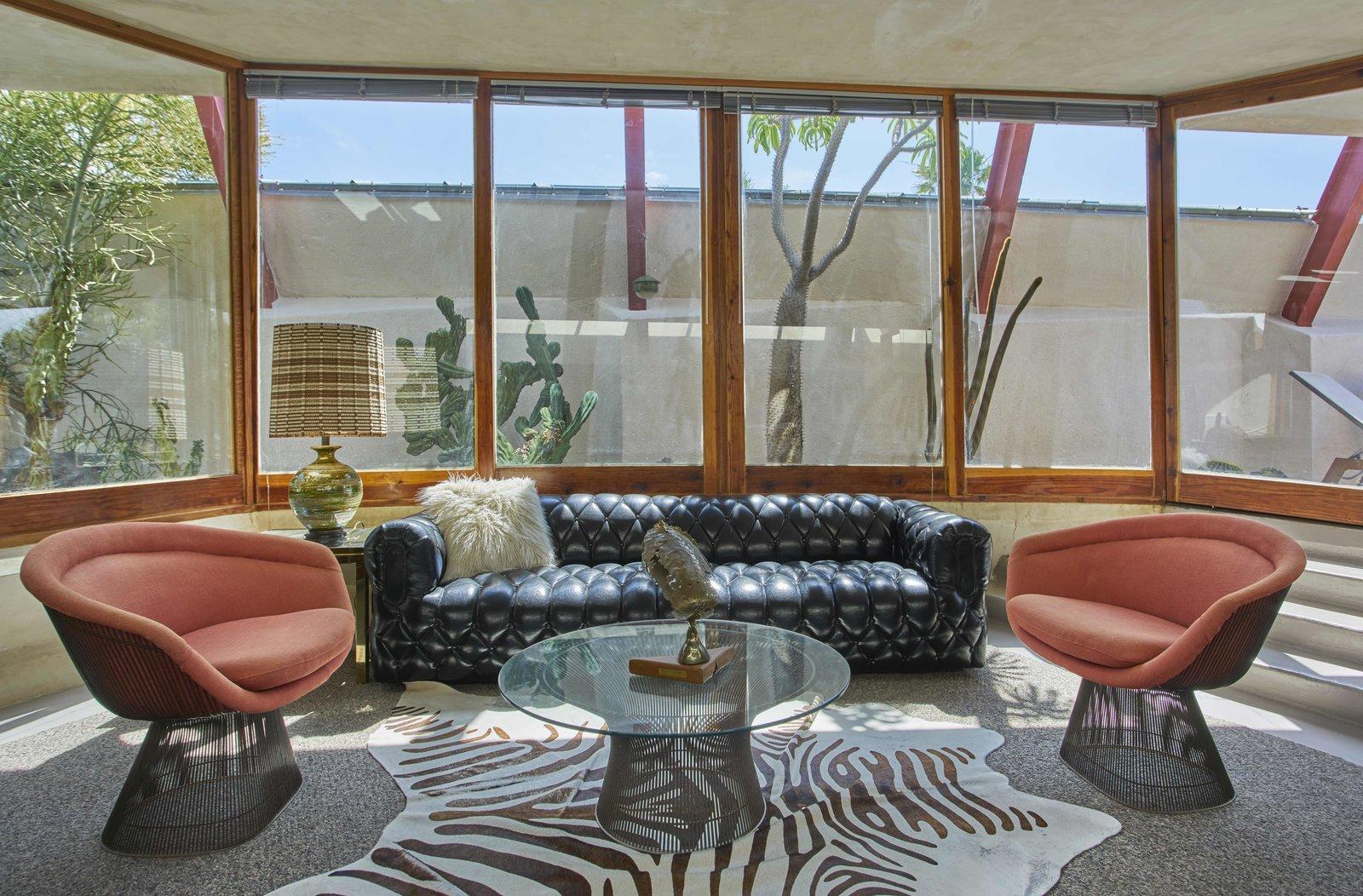 Photo 12 of 13 in Escape to a John Lautner Micro-Resort in the Californian Desert