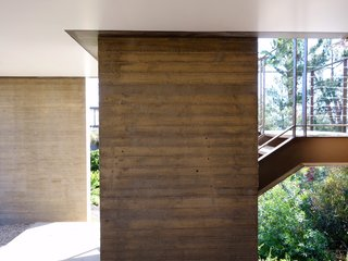 Take Your Next Vacation in a Midcentury Home in the Santa Monica Mountains - Photo 5 of 12 -