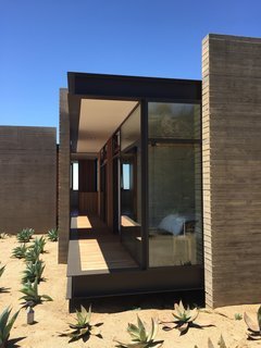 Take Your Next Vacation in a Midcentury Home in the Santa Monica Mountains - Photo 10 of 12 -