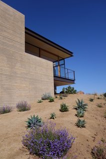 Take Your Next Vacation in a Midcentury Home in the Santa Monica Mountains - Photo 11 of 12 -