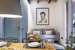 A Smart Layout Maximizes Space in This Compact Urban Beach Apartment in Barcelona - Photo 2 of 10 -
