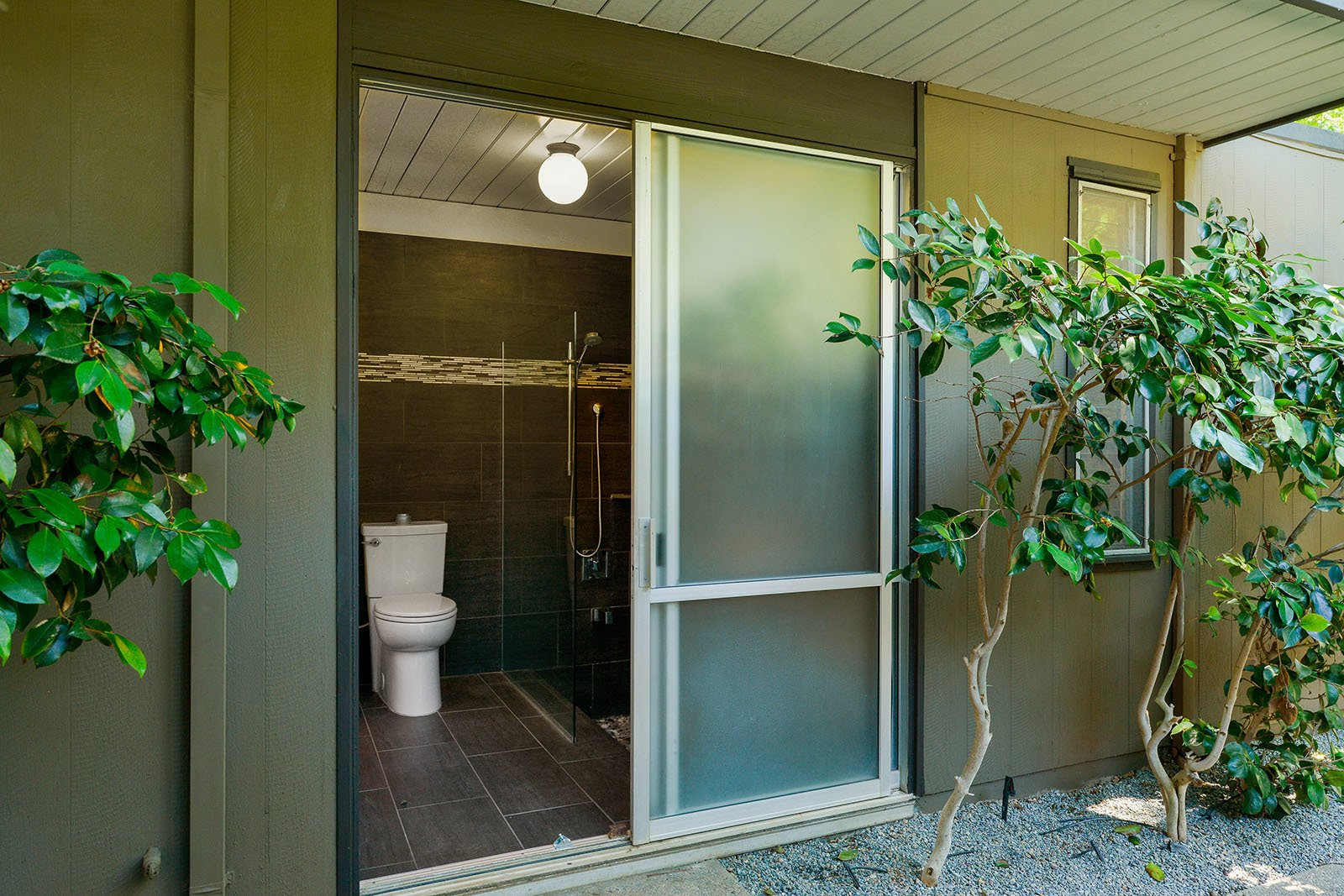 An Enormous Bay Area Eichler Asks $1.45M - Photo 8 of 15