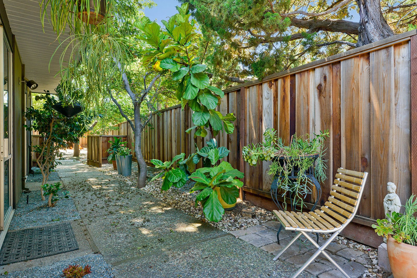 Photo 13 of 15 in An Enormous Bay Area Eichler Asks $1.45M
