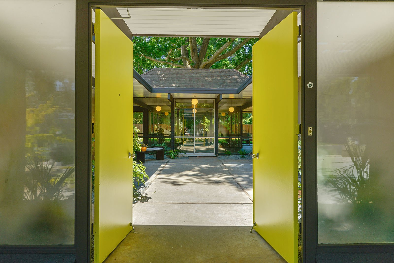 Tagged: Doors and Swing Door Type.  Photo 2 of 15 in An Enormous Bay Area Eichler Asks $1.45M