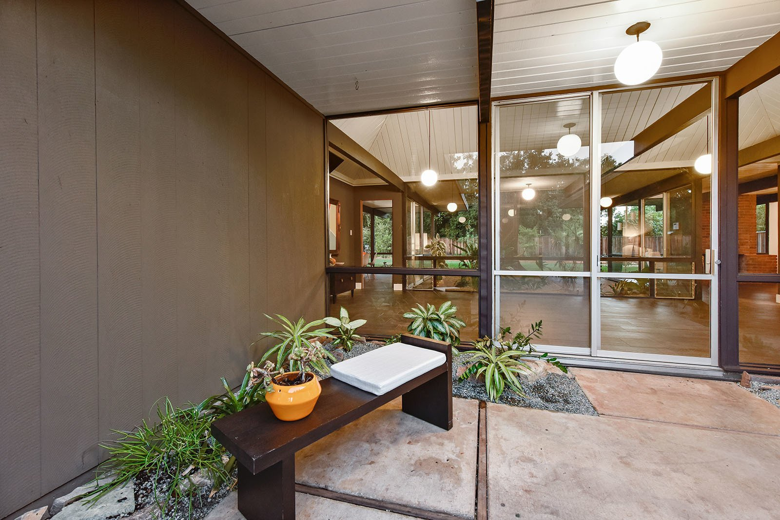 Photo 3 of 15 in An Enormous Bay Area Eichler Asks $1.45M