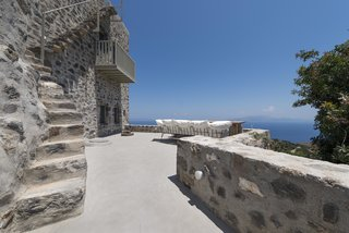 Enjoy Island Life In A Modern Greek Holiday Villa In The Midst of Ancient Ruins - Photo 1 of 12 -