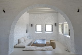 Enjoy Island Life In A Modern Greek Holiday Villa In The Midst of Ancient Ruins - Photo 6 of 12 -