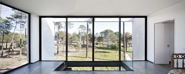 Modern home with windows and metal. Photo 15 of Villa Caetana