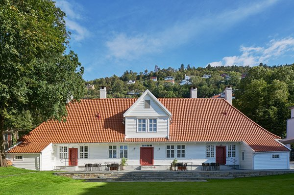 Built by Bergen merchant and philanthropist Alexander Kaae around 1760, as a restful retreat for the downtrodden, Villa Terminus was refurbished by Swedish architecture and design firm, Claesson Koivisto Rune and transformed into an 18-room boutique hotel with iconic mid-century and contemporary interiors.