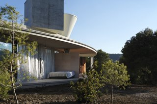 Stay in a Solar-Powered, Ring-Shaped Vacation Home in the Spanish Countryside - Photo 3 of 8 -