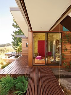 10 Timeless Midcentury-Modern Homes - Photo 2 of 10 - This 1950s Joseph Esherick home in Berkeley, California, has a T-shaped layout and Japanese-inspired shingling that's typical of the buildings in this part of Berkeley.