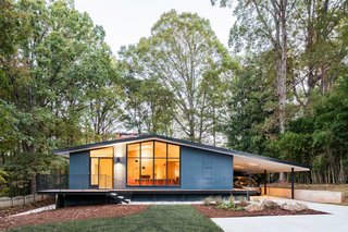 10 timeless midcentury modern homes dwell for Cost to build mid century modern home