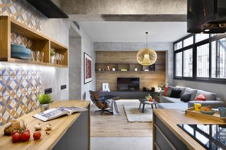 Three Styles Meet in This Compact Barcelona Apartment - Photo 4 of 10 -