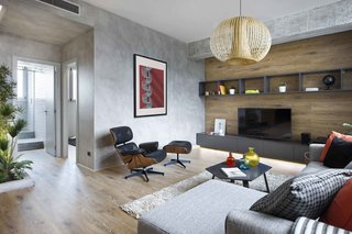 Three Styles Meet in This Compact Barcelona Apartment - Photo 6 of 10 -