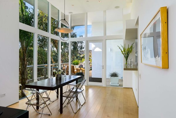 Photo 7 of 13 in Actor Brendan Fraser's Former Beverly Hills Home Is For Sale For $4.25 Million