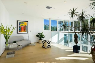 Actor Brendan Fraser's Former Beverly Hills Home Is For Sale For $4.25 Million - Photo 8 of 12 -