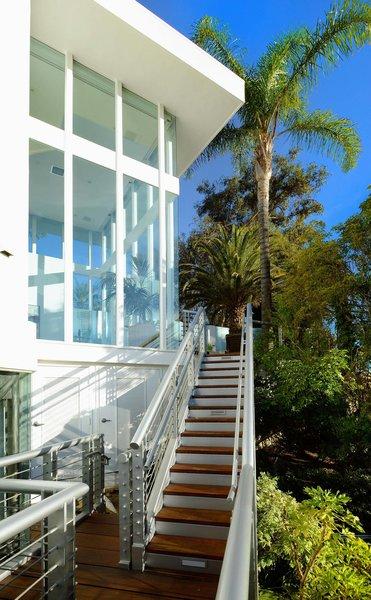Actor Brendan Fraser's Former Beverly Hills Home Is For Sale For $4.25 Million - Photo 3 of 12 -