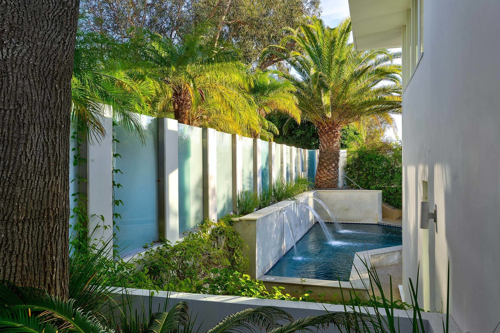 Photo 12 of 13 in Actor Brendan Fraser's Former Beverly Hills Home Is For Sale For $4.25 Million