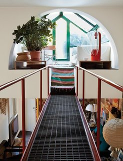 8 Modern Solariums and Sun-Drenched Spaces - Photo 8 of 8 - The late Italian designer-architect Gae Aulenti's home in Milan has a catwalk that begins in the living room and leads up to a solarium sitting area.