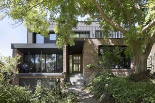 A Remodel Turns a Dark and Choppy House in Melbourne Into a Bright, Flexible Family Home - Photo 3 of 16 -