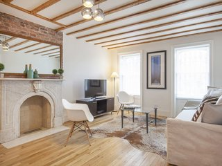 Experience New York Citys Eclectic Side At One Of These Modern - New york apartments short term