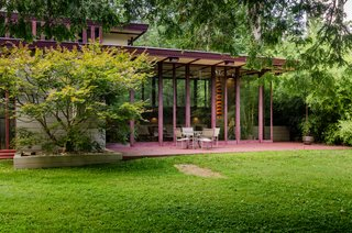 The Frank Lloyd Wright-Designed Louis Penfield House in Ohio Is For Sale For $1.3M - Photo 7 of 16 -