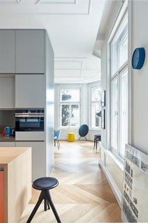 A Family Villa in Budapest With Colorful, 1960s-Inspired Interiors - Photo 4 of 16 -