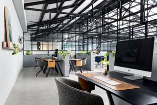 An Art Deco Warehouse in Melbourne Is Converted Into a Shared Office Space - Photo 9 of 14 -