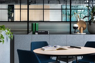 An Art Deco Warehouse in Melbourne Is Converted Into a Shared Office Space - Photo 8 of 14 -