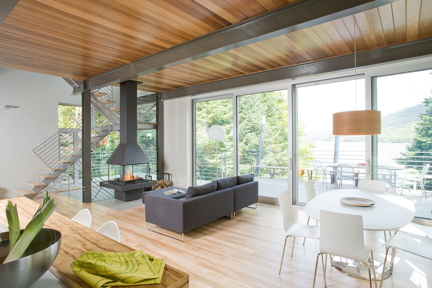 7 Incredible Modern Homes By Canadian Architect Paul Bernier   Photo 7 Of 7    Located