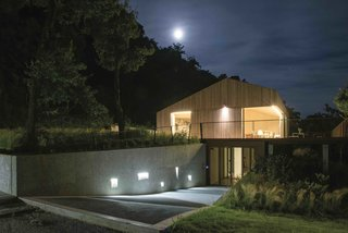 This Eco-Friendly Bed-and-Breakfast in Italy Is the Perfect Indoor/Outdoor Escape - Photo 5 of 13 -