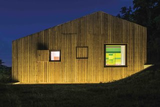 This Eco-Friendly Bed-and-Breakfast in Italy Is the Perfect Indoor/Outdoor Escape - Photo 6 of 13 -