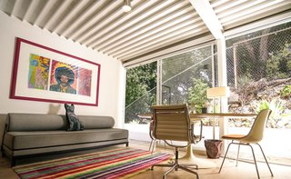Ever Wanted to Stay in a Midcentury House Designed by Pierre Koenig? - Photo 13 of 18 -