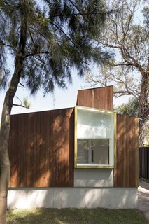 9 Small Studios Where Writers and Artists Can Get Creative - Photo 5 of 9 - Located close to the main house in a Sydney suburb, this garden studio and gallery space is where an artist couple work. With this art shed, Australian practice Panovscott established an internal gallery-quality environment for the production and contemplation of art.