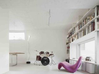 A Prefab House Near Paris Is Designed to Be Bright and Open - Photo 5 of 16 -