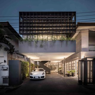 102 Potted Olive Plants Cover the Facade of This Bangkok Home - Photo 1 of 11 -