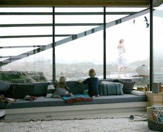 A Norwegian Summer Cabin Embraces the Rocky Terrain - Photo 5 of 10 -