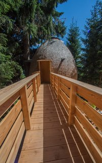 These Tree Houses in the Dolomites Look Like Egg-Shaped Pinecones - Photo 7 of 11 -