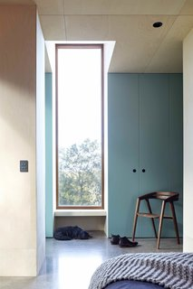 A Bushland Home in Melbourne That's Divided Between Two Pavilions - Photo 9 of 13 -