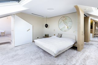 A Dreamy Loft in Prague With Castle Views and an Onyx Moon - Photo 6 of 17 -