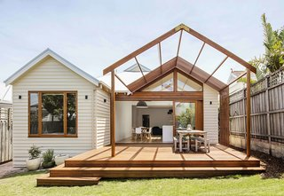 2 New Gable Roofs Brighten Up an Edwardian Cottage in Melbourne