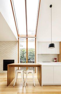 2 New Gable Roofs Brighten Up an Edwardian Cottage in Melbourne - Photo 9 of 11 -