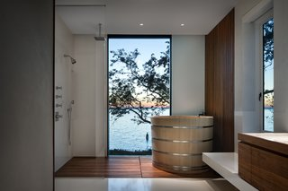 An Incredible Cedar-Clad House Captures Views of the Sea and Forest - Photo 10 of 12 -