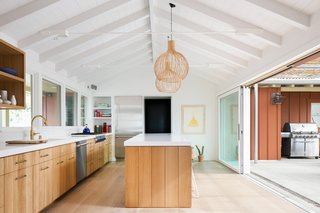A 1950s California Ranch House Gets a Modern-Farmhouse Makeover - Photo 5 of 17 -