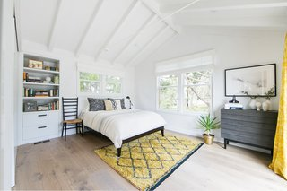 A 1950s California Ranch House Gets a Modern-Farmhouse Makeover - Photo 8 of 17 -